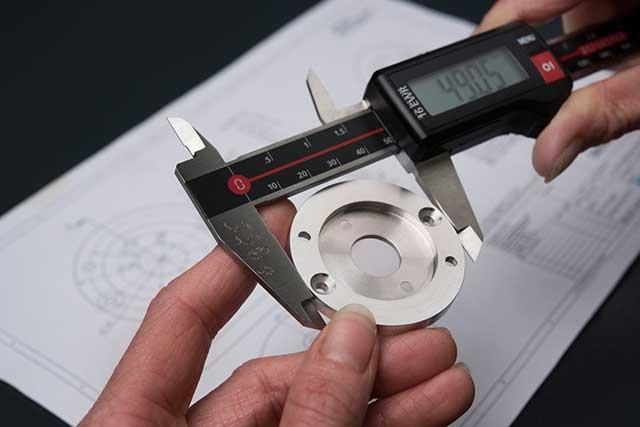 Qualitätskontrolle CNC Zerspanungstechnik Welcker